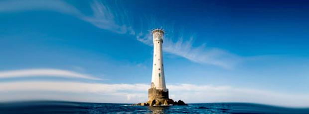 La plus petite île du monde s'appelle le Bishop Rock ?