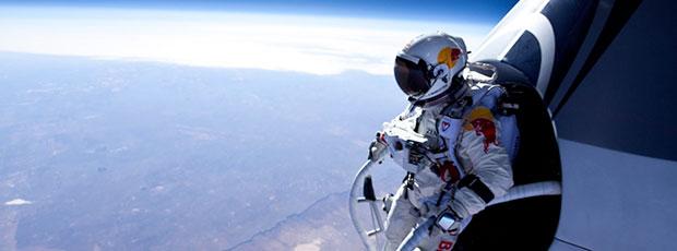 Un homme a sauté en parachute depuis l'espace ?