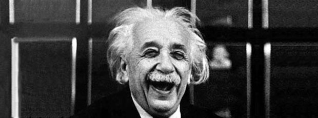 La photo Albert Einstein tirant la langue n'est pas truquée ?
