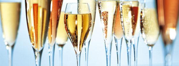 Une cuillère en argent placée dans le goulot d'une bouteille de champagne ne conserve pas les bulles plus longtemps ?