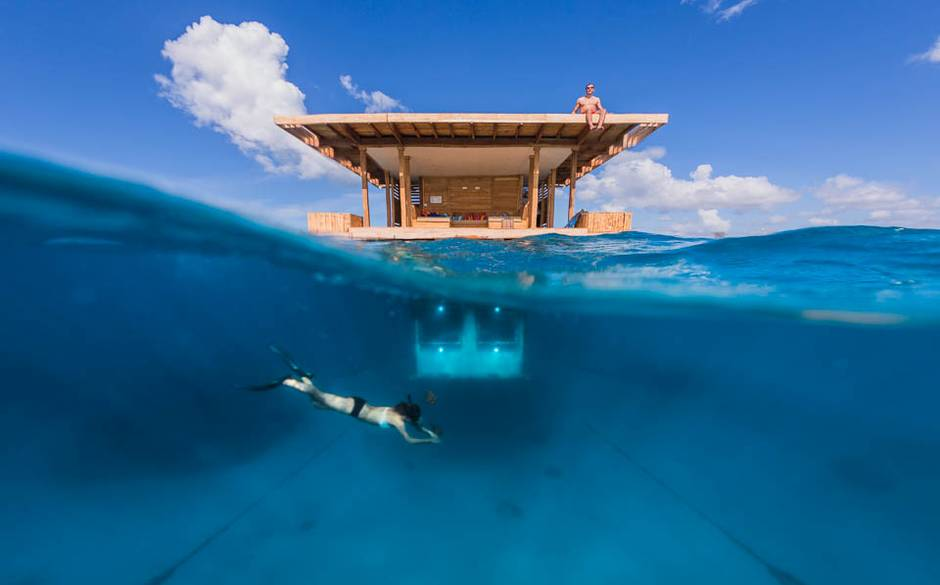 manta-resort-the-underwater-room